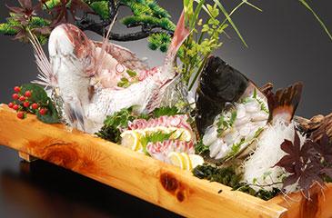 画像:鯛など 舟盛り