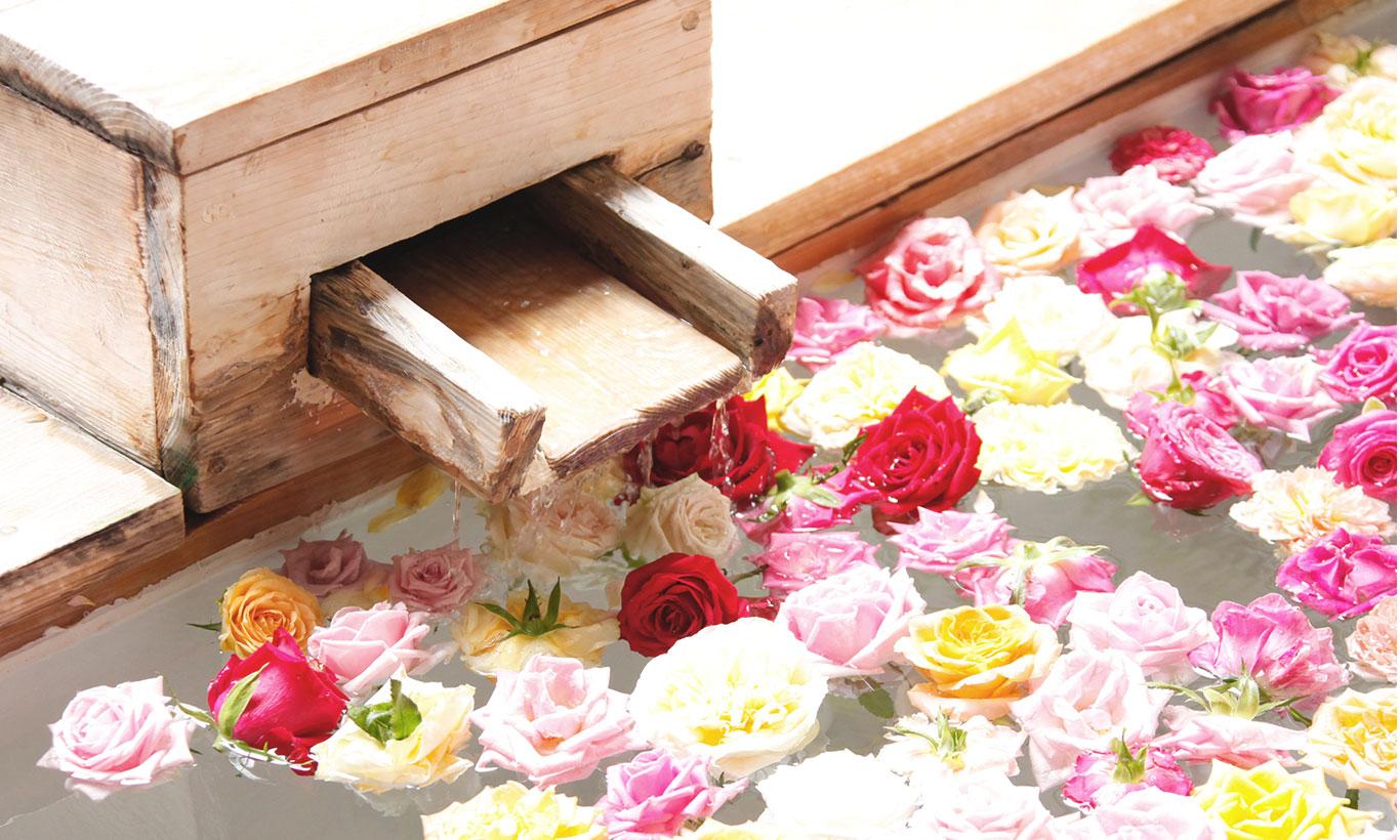 赞水馆 船形浴池玫瑰浴