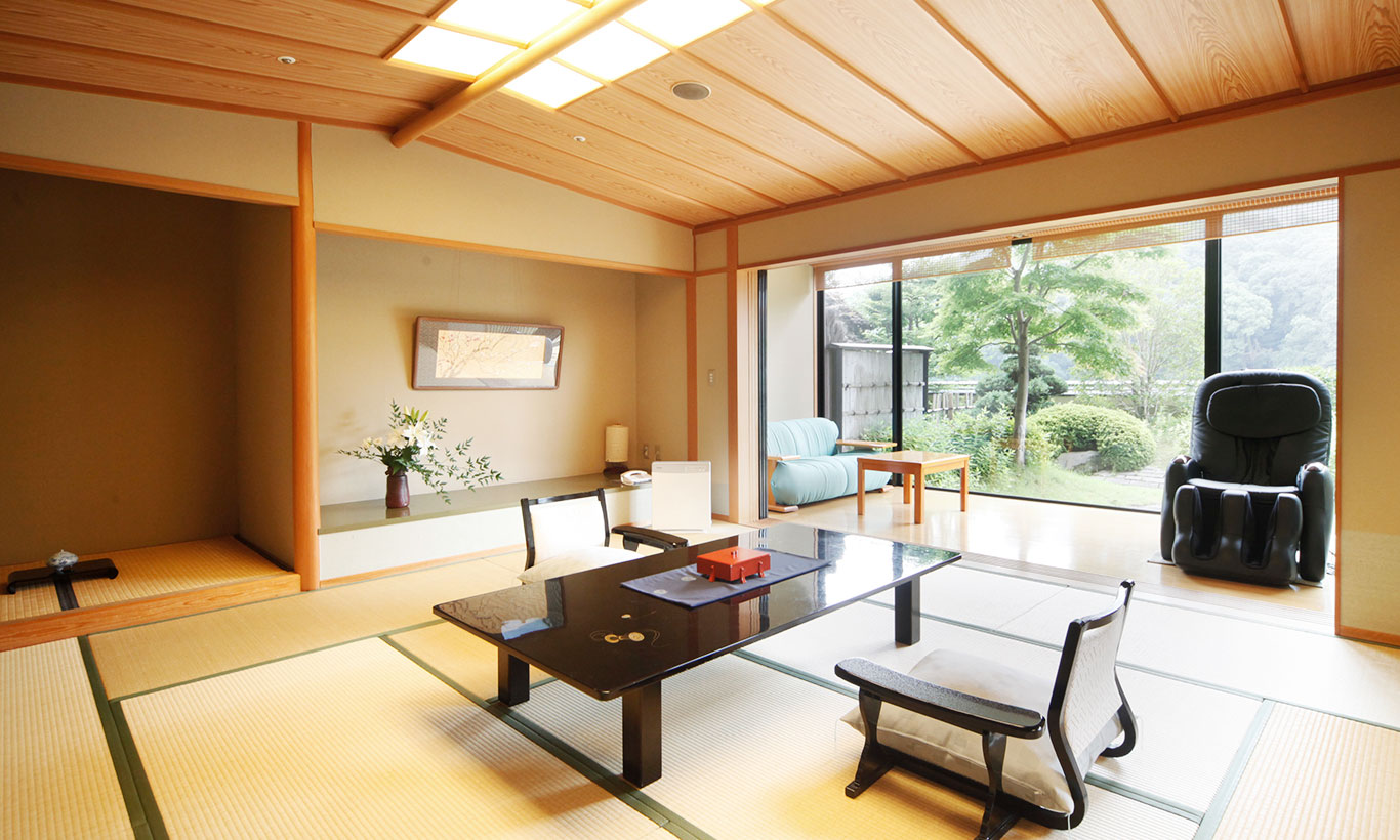 Hiten-kan  Japanese-style Room with Open Air Bath